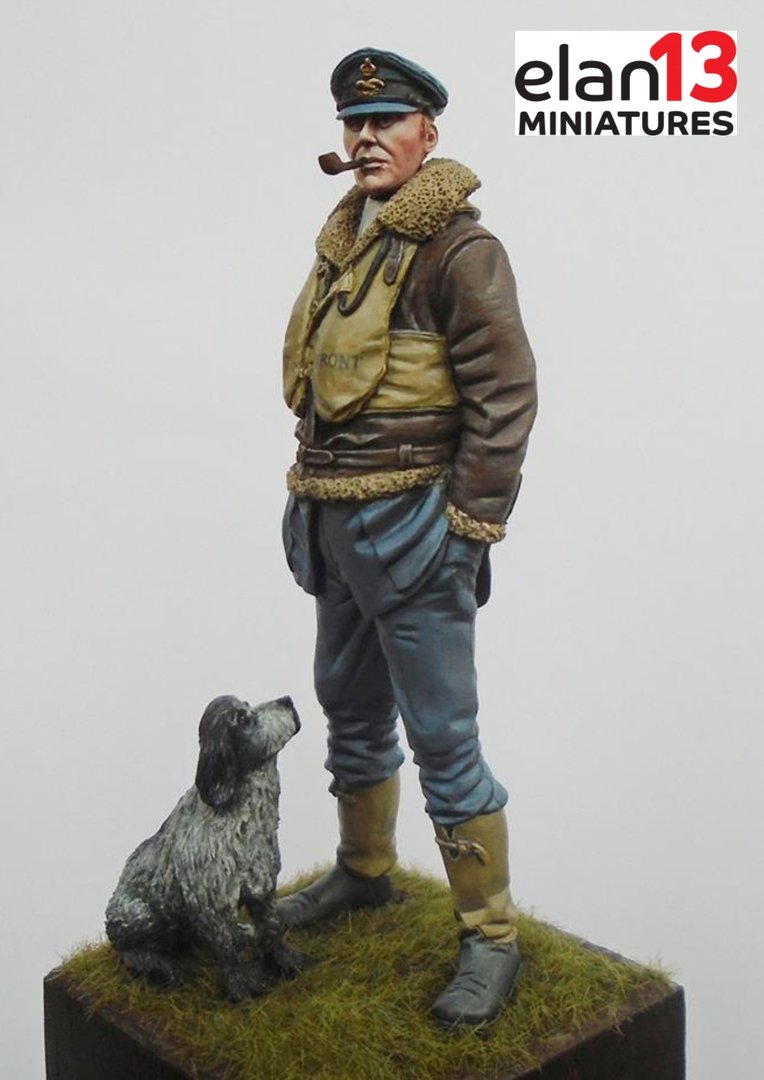 RAF Pilot With Dog WW2 75mm (1/24)